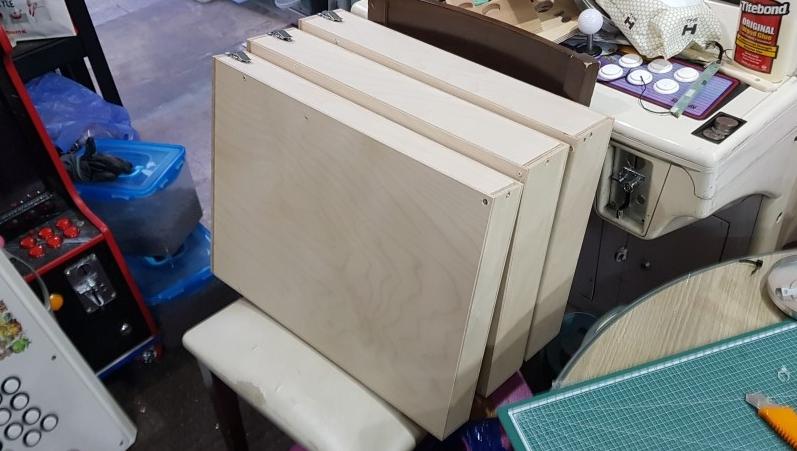 (이렇게 기판 나무상자 케이스를 3개 만들었다!)