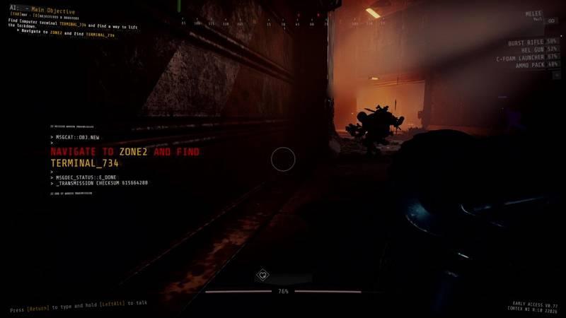GTFO 게임 플레이 화면으로 현재 목표가 화면 좌측에 자리하고 있다.