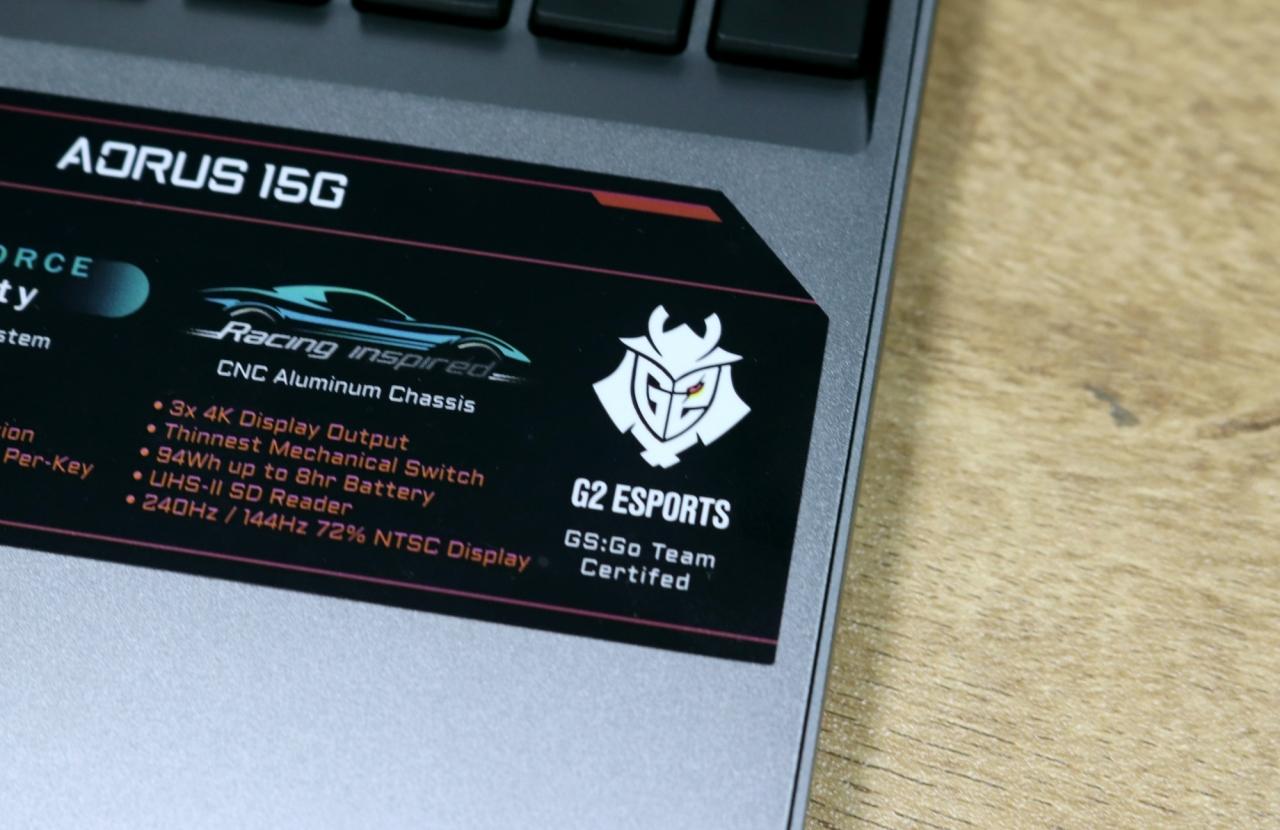 ▲ AORUS 15G XB i7에 부착된 G2 E스포츠 CS: GO 팀의 공식 인증 스티커