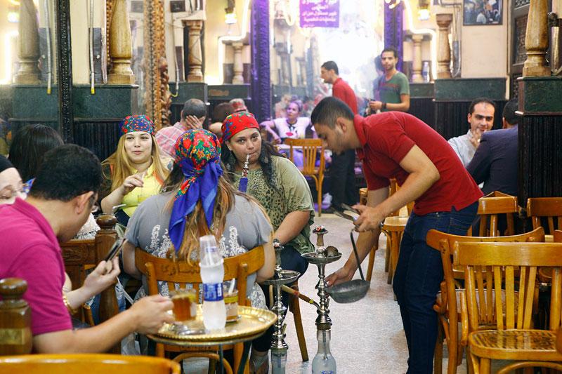 칸 엔 칼릴리 시장 안에 있는 180년 된 카페
