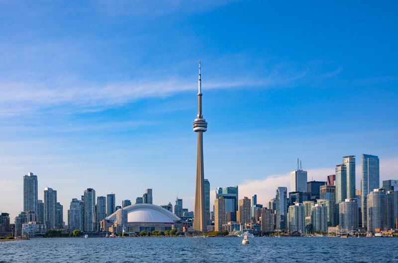 온타리오호 크루즈에서 바라본 CN타워와 토론토 전경