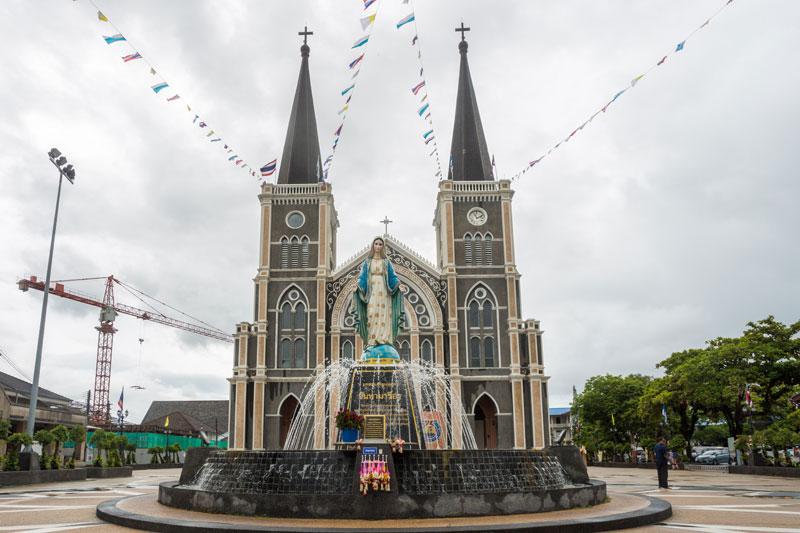 태국에서 가장 크고 아름다운 성당으로 꼽히는 찬타부리 대성당