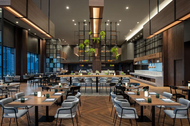 아바니 수쿰빗 방콕 호텔의 메인 레스토랑 '그린하우스'