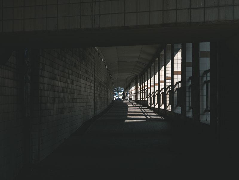철길 밑을 지나는 지하 차도
