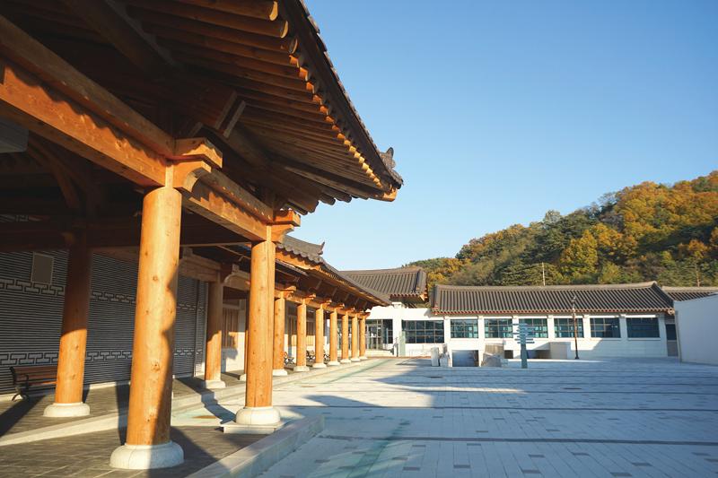 경상북도독립운동기념관에는 전시관 및 연수원 등 다양한 체험시설이 마련돼있다