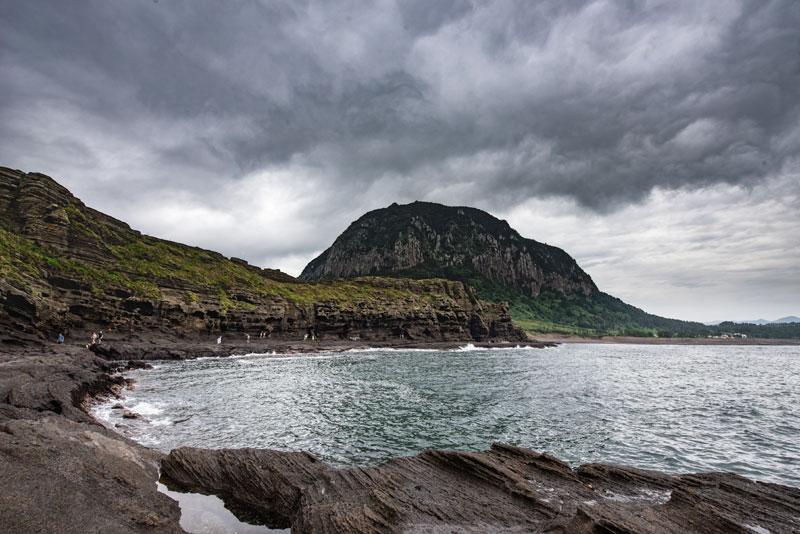 80만년의 지질여행, 용머리해안과 산방산