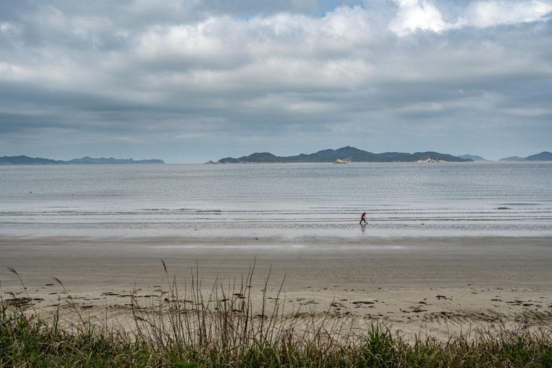 누구든 걷기만 해도 그림이 되는 관매도 해변
