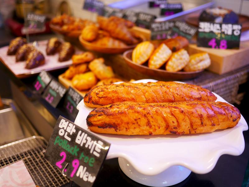핫플레이스인 해운대에서는 다양한 '부산' 스타일의 빵집을 만날 수 있다
