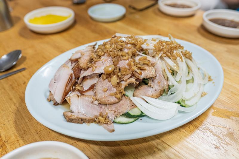 오향장육도 여느 유명 중국집에 뒤지지 않는 맛이다