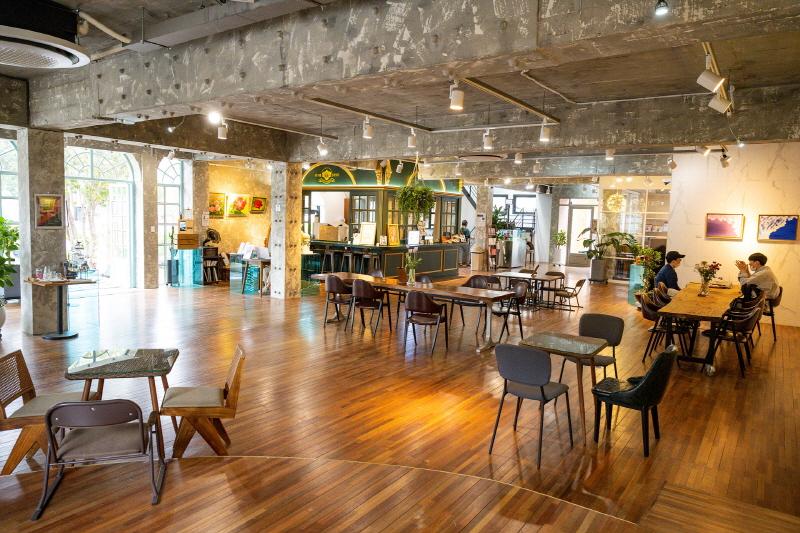 여행자라운지 카페 '10년후그라운드'