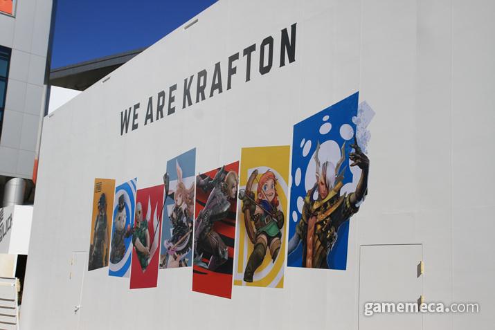 크래프톤의 부스 곳곳에는 이 같은 문구와 사진을 쉽게 확인할 수 있다 (사진: 게임메카 촬영)