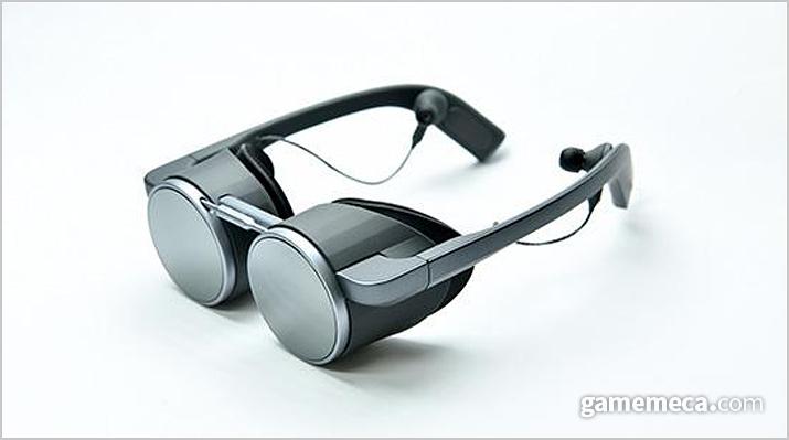 안경처럼 쓰는 VR 기기가 공개됐다 (사진출처: 파나소닉 공식 웹페이지)