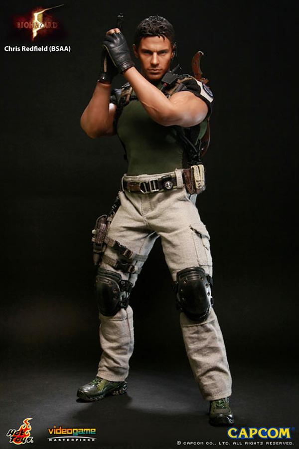 바이오하자드 1편부터 꾸준히 출연하고 있는 크리스. 옷으로도 가릴 수 없는 근육질의 탄탄한 몸매가 돋보인다 (사진출처: 아미아미 홈페이지)