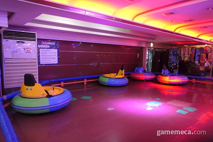 놀이동산의 그 범퍼카가 게임센터 안으로!