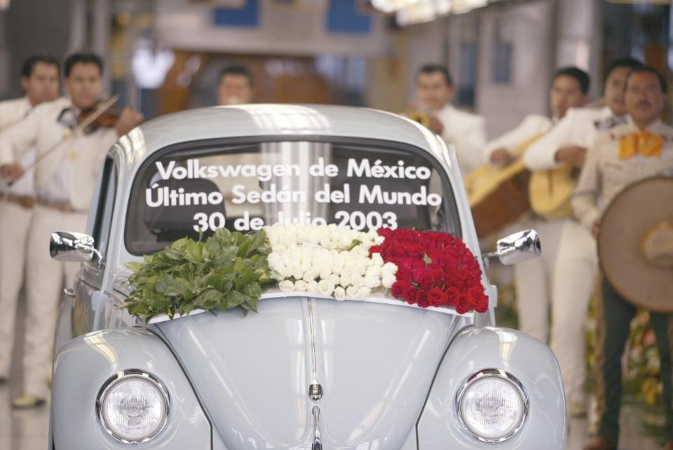 1938년에 독일에서 시작된 폭스바겐 비틀 생산은 2003년에 멕시코에서 끝났다