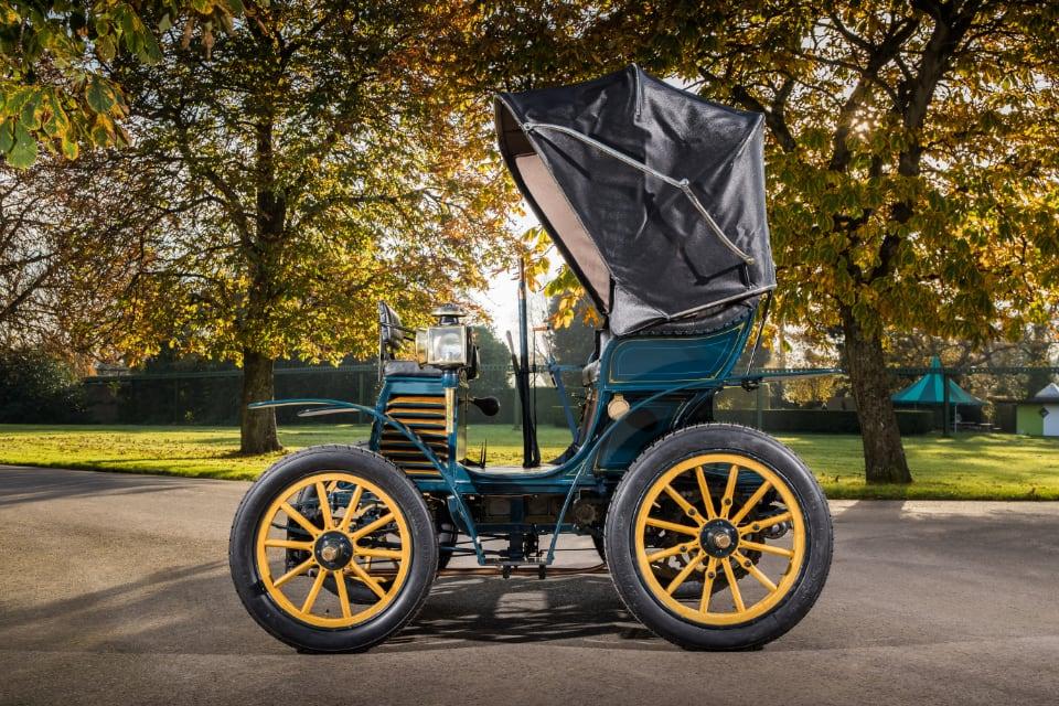피아트도 19세기 끝자락인 1899년에 내연기관 자동차 생산에 동참했다