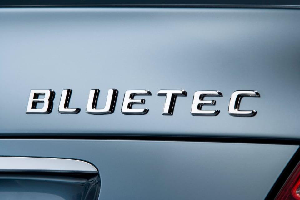 2006년에 메르세데스-벤츠가 SCR 기술을 쓴 블루텍 디젤 모델을 내놓으며 디젤 엔진 기술은 가장 발전된 단계에 접어들었다