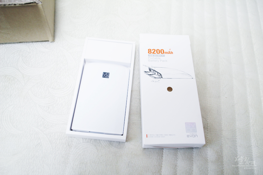EVON  ��� �����������õ(Portable Battery Pack)  ȭ��Ʈ 8200mah   (�߿ܽ������ϴ�.)