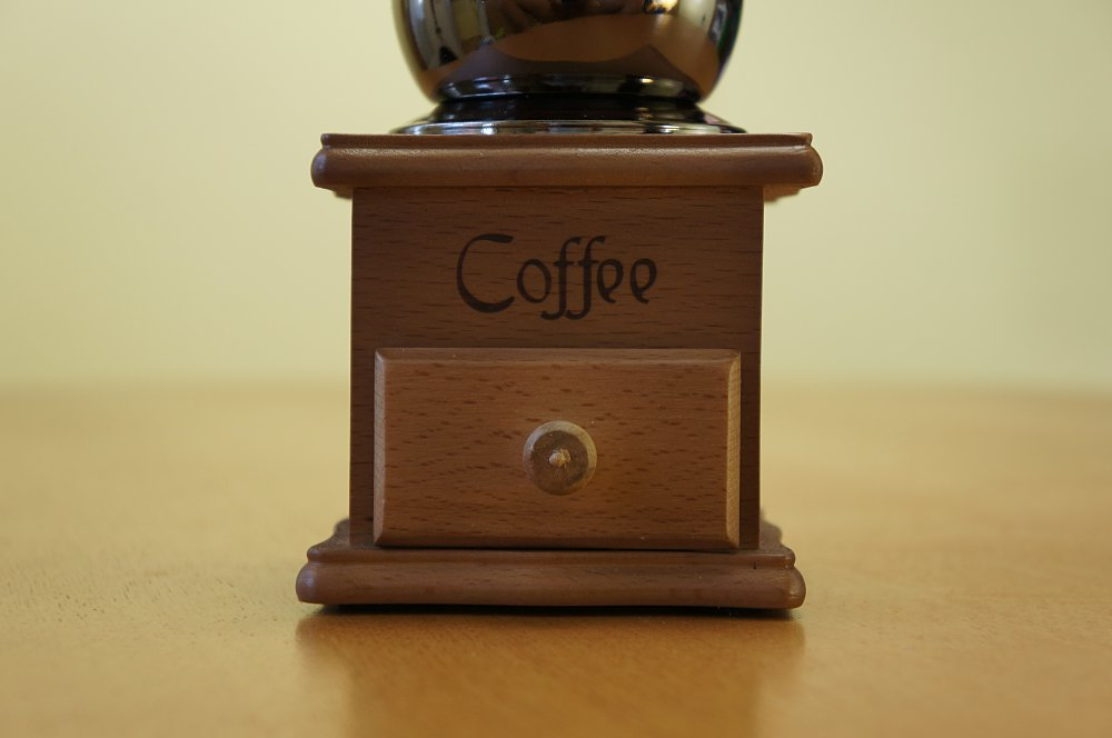 OurWarm 클래식한 커피 분쇄기 리뷰...