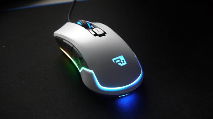 리줌 G-FACTOR Z700 Pro 게이밍 레이저 마우스 (화이트) 사용기