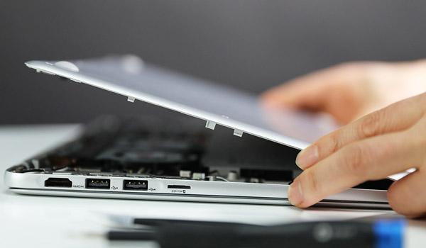 삼성 노트북을 완전히 분해했다