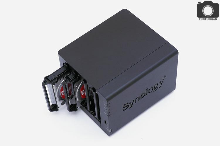 강력한 NAS! 시놀로지 DS916+ 설치 사...