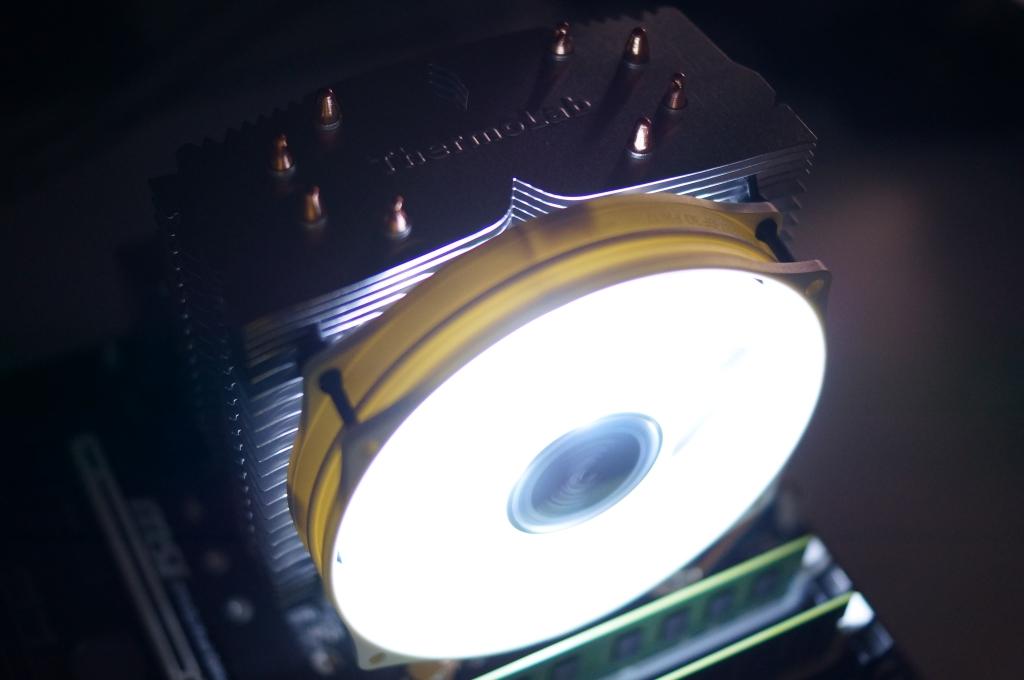 정말 조용한 CPU 쿨러, Thermolab TRI...