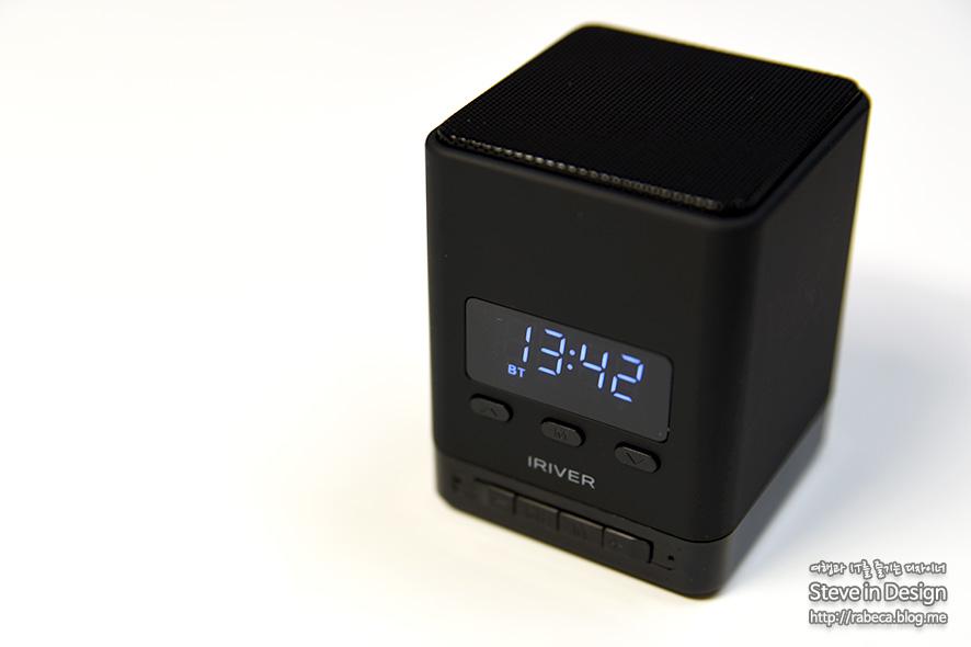 아이리버 프리미엄 블루투스 스피커에 시계를 품은 LCD 블루투스 스피커 BTS-V1