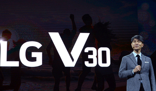 패블릿폰 LG V30, 국내 출시