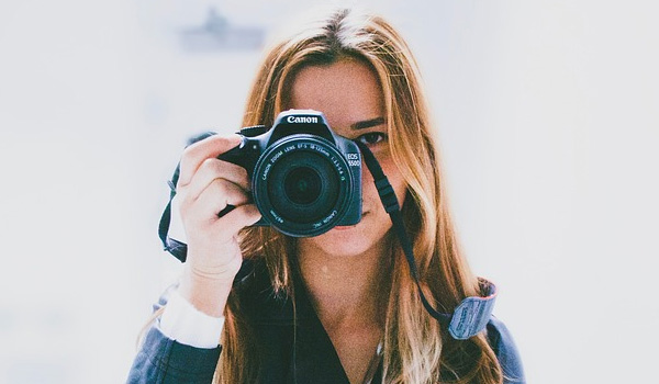 카메라 렌즈,  캐논 vs  소니