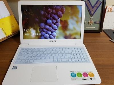 ASUS A556UA-DM987D