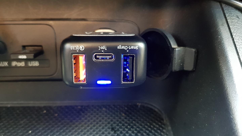 알카트로즈 QCC3300 퀵차지3.0 차량용 충전기
