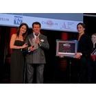 제리 맥거번, '레인지로버 벨라'로 파리 국제 자동차 페스티벌 '올해의 디자이너'상 수상