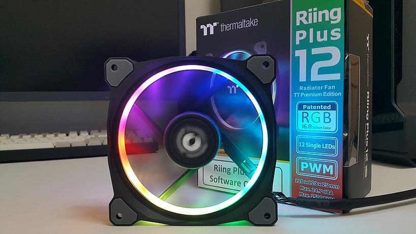 써멀테이크 Riing Plus 12 RGB TT 프리미엄 에디션