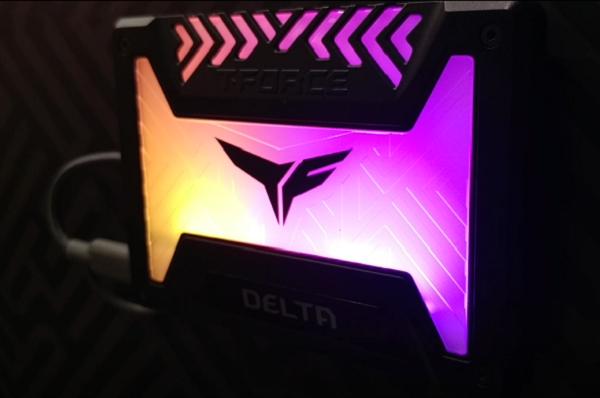팀그룹 게이밍 브랜드 T-FORCE DELTA RGB SSD [2018 컴퓨텍스]