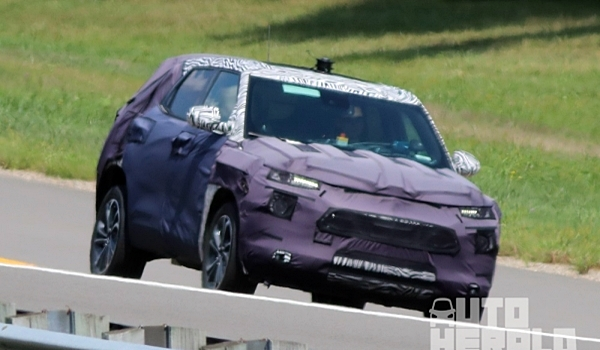 차세대 트랙스, 블레이저 닮았나?