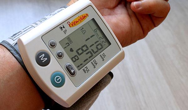 건강 측정의 첫 걸음, 혈압계