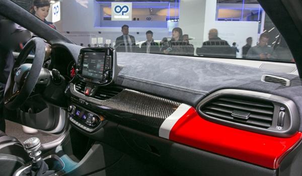 현대車 알칸타라 소재 사용?