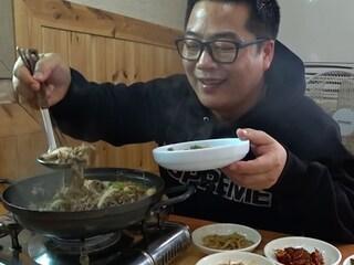 전국에서 제일 맛없다는 훈련소앞 식당.진짤까?