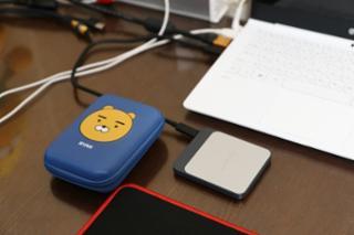씨게이트 SSD 외장하드 속도 테스트와 카카오프렌즈 케이스