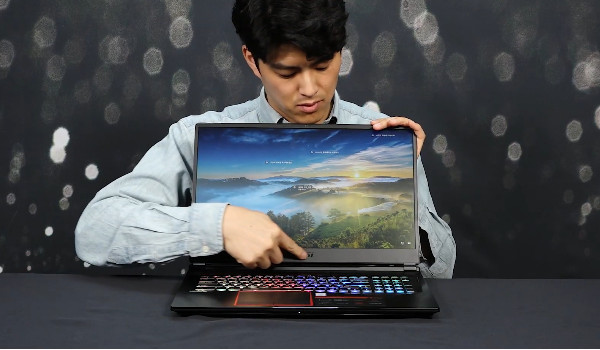 므시므시한 게이밍 노트북!