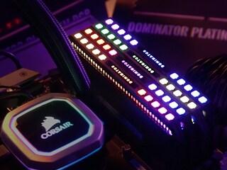 튜닝 메모리 끝판왕 RGB로 돌아왔다! 커세어 Dominator Platinum RGB 리뷰!!