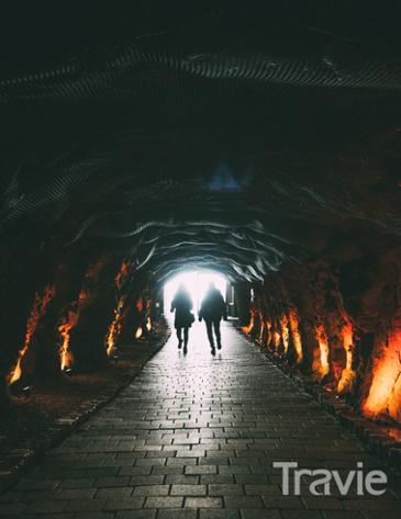 시원한 어둠을 찾아, 국내 동굴 탐험