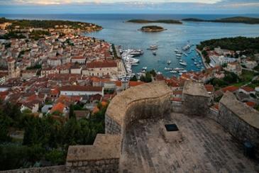 흐바르, 크로아티아 여행의 쉼표