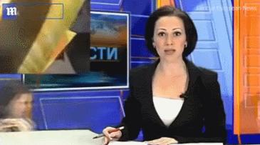 러시아에서 생방송 뉴스 진행중 앵커의 딸이 끼어듬