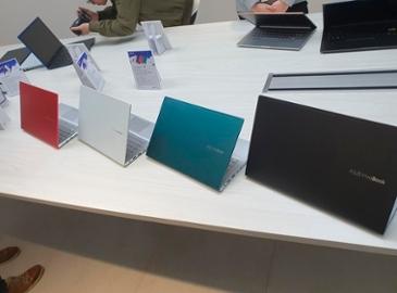 [에이수스 미디어 서밋] 색상·스티커로 개성 담은 노트북 '비보북'