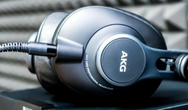 AKG K371 헤드폰  성능은?