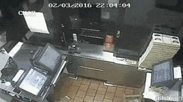 도둑의 실수