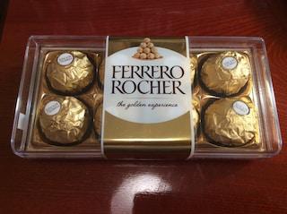 발렌타인 선물로 구입한 페레로로쉐 8구 6800원