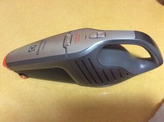 일렉트로룩스 14.4V 라피도 핸디 청소기 ZB6114
